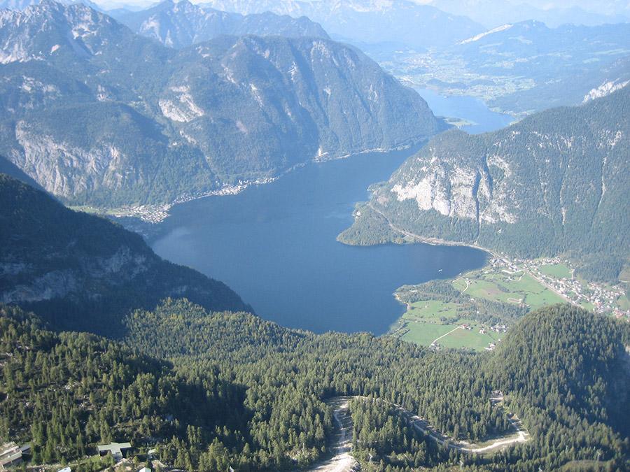 Spektakulärer Ausblick auf die UNESCO Welterberegion von Hallstatt Dachstein Salzkammergut