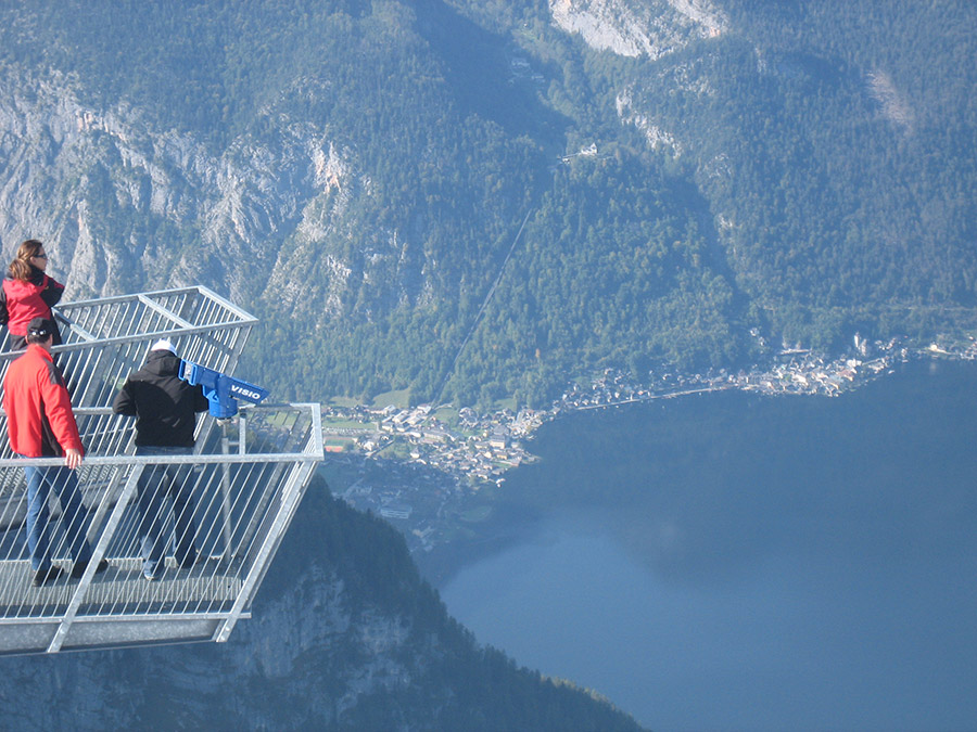 "Above the rooftops of Hallstatt: Visit the spectacular viewing platform ""5 Fingers"", Sky Walk"