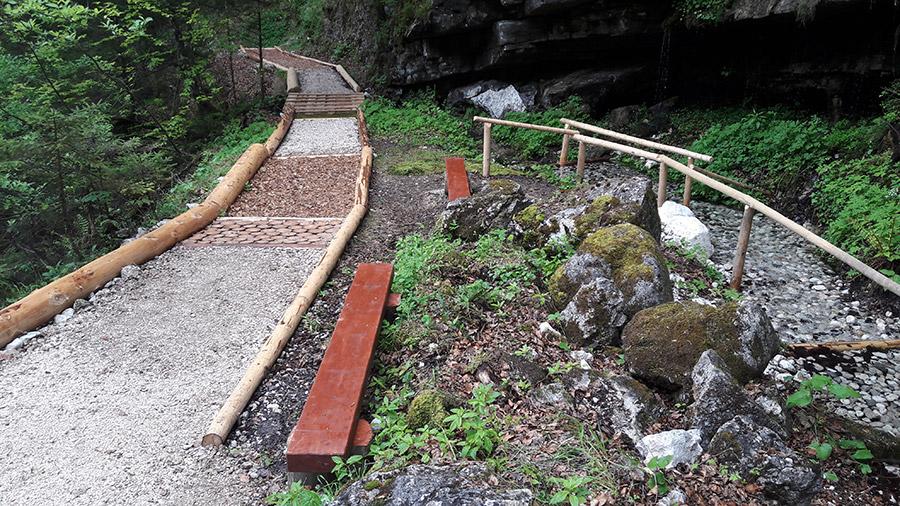 Barefoot path in Hallstatt, Barfußweg