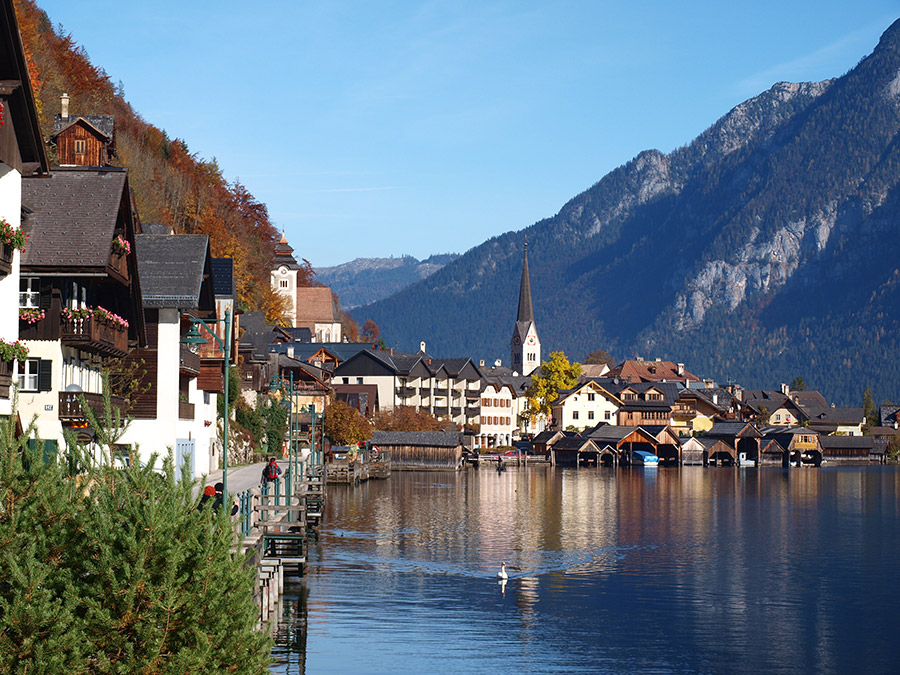Autumn- the best time for hiking around Hallstatt