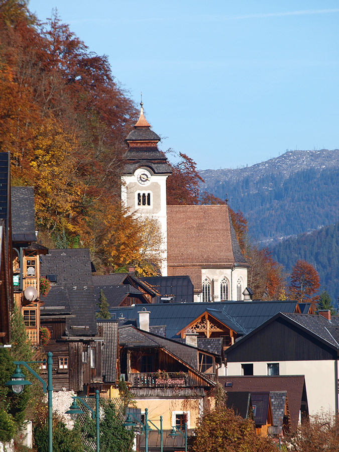 Hiking in Hallstatt with its history of nearly 4000 years