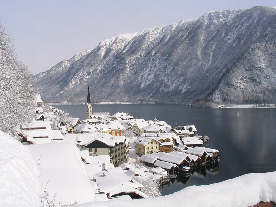 Romantic winter in Hallstatt, world heritage siteerberegion Hallstatt-Salzkammergut